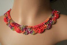 Collier EcoEthnic au crochet  coton teint main par KazamarieDesigns, €25,00