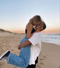 Cute Couples Photos, Cute Couple Pictures, Cute Couples Goals, Couple Photos, Couple Goals Relationships, Relationship Goals Pictures, The Love Club, Photo Couple, Boyfriend Goals