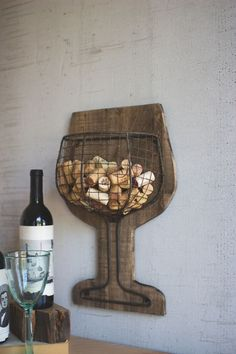 Wine Cork Holder, Wine Cork Art, Wine Cork Crafts, Wine Bottle Crafts, Wood Crafts, Wine Corks, Wine Holders, Champagne Cork Crafts, Wine Rack