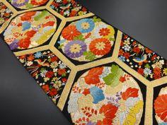 大正ロマン 亀甲に菊・桐模様織り出し袋帯                                                                                                                                                                                 もっと見る