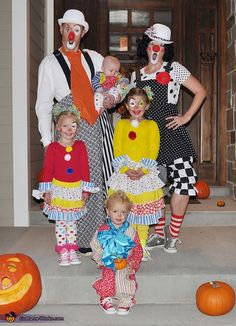 """Via <a href="""";http://www.costume-works.com/costumes_for_families/clowning_around1.html"""" target=""""_blank"""">Costume Works</a>"""