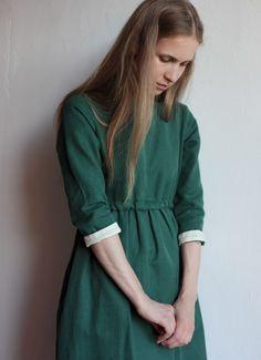Зеленое платье с кулиской из хлопка и льна