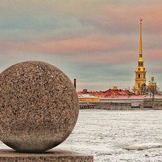 SAINT PETERSBURG, RUSSIA. #saintpetersburg #russia Photo Credit: @alexsandrkonovodov Chosen by : @toinou1375 ≔≕≔