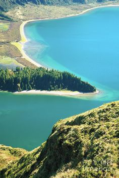 ✮ Fire Lake (Lagoa do Fogo) in Fogo Crater - Sao Miguel island, Azores, Portugal