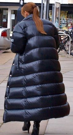 Redhead in down coat 3 Nylons, Types Of Jackets, Jackets For Women, Puffy Jacket, Hooded Jacket, Kendall Jenner, Down Suit, Inflatable Costumes, Vinyl Raincoat