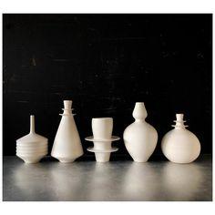 Pink Bottle, Bottle Vase, Mid Century Modern Decor, White Vases, Modern Ceramics, Pottery Vase, Vases Decor, Bud Vases, E Design
