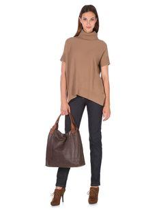 Herbstlicher Chic - Der Herbst ist da! Wappnen Sie sich mit den angesagten Farben Braun und Schwarz! Ob rockige Lederjacke, herbstlicher Cape-Pullover oder bereits ein warmer Daunenmantel - Looks for Women - thelook.com