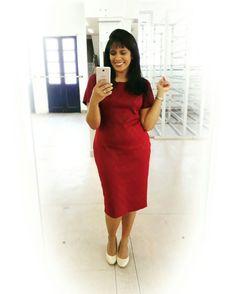 Look do Dia.... • Tubinho Janine Braz um clássico na cor bordô... feito de malha montaria, um malha perfeita para todo tipo de corpo..... • #estilistajaninebraz  #cristacomestilo  #modaevangelica  #assembleianasestilosas  #modaexecutiva  #moda