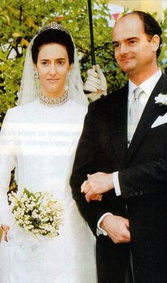 Margherita and Robert of Austria-Este's youngest daughter, Isabella, wore her mother's wedding tiara to her own wedding to Count Andrea of Czarnocki-Lucheschi in 1997.
