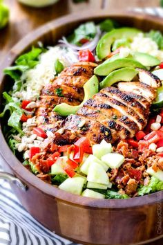 Chipotle Chicken Salad Recipe, Mango Chicken Salads, Honey Chipotle Chicken, Chicken Salad Recipes, Healthy Salad Recipes, Avocado Chicken, Healthy Desserts, Healthy Eats, Mango Dressing