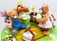 Teddy Picnic Cake Detail
