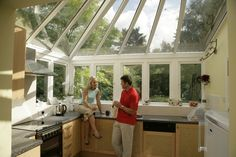 living in a greenhouse Greenhouse Kitchen, Conservatory Kitchen, Conservatory Ideas, Kitchen Units, New Kitchen, Kitchen Ideas, Extension Costs, Conservatory Extension, Kitchen Conversion