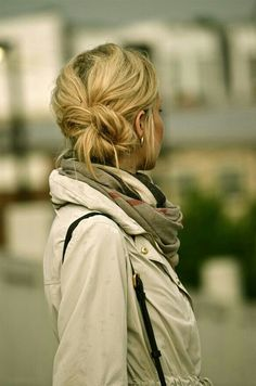 Cute hair for when i wake up late #hair #bun #beauty