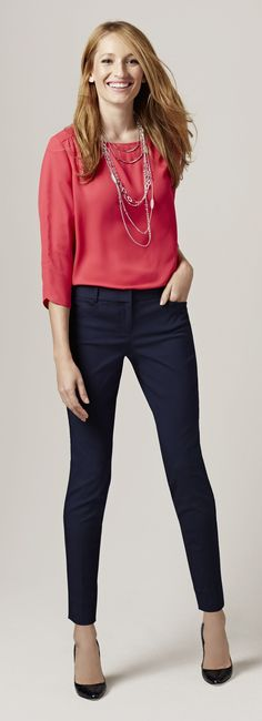 Stylish Navy Pants Work Outfit to Try 02 Business Casual Outfits, Office Outfits, Work Outfits, Date Outfits, Dress Outfits, Navy Pants Outfit, Coral Pants Outfit, Skinny Pants Outfits, Skinny Dress Pants