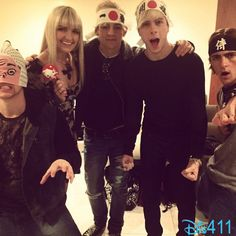 Pics: R5 In Japan November 23, 2013 - Ross Lynch, Riker Lynch, Rocky Lynch, Rydel Lynch and Ellington Ratliff