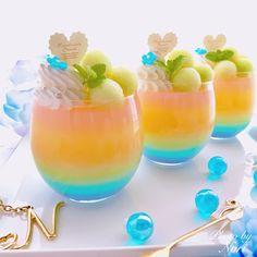 まねしたくなる素敵なアイデアがいっぱい!2018夏 #ひんやりスイーツ コレクション #おうちごはん Dessert Cups, Dessert Drinks, Yummy Drinks, Yummy Food, Colorful Drinks, Kawaii Dessert, Fancy Desserts, Beautiful Desserts, Japanese Sweets