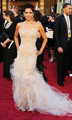 whata fanastic dress for a wedding dress! marchesa