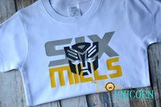 Camiseta de cumpleaños de Transformers con por thelionandunicorn