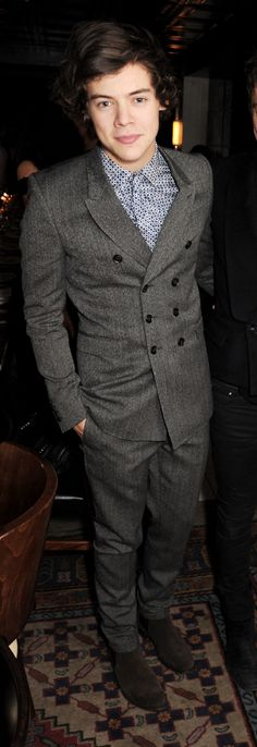 Burberry x Harry Styles at the Brit Award 2013 <<< Wow! This was this year? He looks like 2012 Harry!