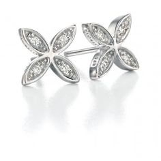 These pretty petal stud earrings embrace the feminine floral trend. £32 Comes complete with co-ordinated Fiorelli gift box.  you might like the matching necklace.