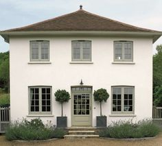 Ideas house front ideas exterior colors window boxes for 2019 House With Grey Windows, White Stucco House, Green Windows, Timber Windows, Coloured Upvc Windows, House Windows, Stucco Colors, Exterior Paint Colors For House, Paint Colors For Home