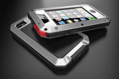 LUNATIK TAKTIK iPhone case is designed by Chicago based design studio Minimal Inc. Apart from amazingly cool design this iPhone case is tough, durable and rugged. The TAKTIK uses Gorilla Glass in front for waterproofing and anodized aluminum to give it th Iphone 4, Coque Iphone, Apple Iphone, Iphone Cases, High Tech Gadgets, Electronics Gadgets, Iphone Gadgets, Minimal, Cool Technology