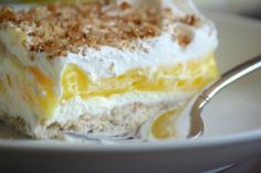 This luscious lemon dessert made with instant lemon pudding, cream cheese and cool whip. Don't let the 4 layers intimate you. It's classic, easy recipe, perfect for family dinners, potlucks and holiday entertaining. Mini Pie Recipes, Drop Cookie Recipes, Lemon Dessert Recipes, Lemon Recipes, Fudge Recipes, Muffin Recipes, Dessert Food, Dessert Simple, Instant Pudding