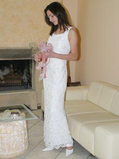 Schmales Hochzeitskleid aus Spitze