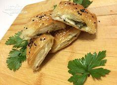 Unlu Sirkeli Ispanaklı Çıtır Börek - Leziz Yemeklerim Spanakopita, Bagel, Bread, Ethnic Recipes, Food, Makeup, Make Up, Brot, Essen