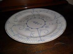antigo prato em porcelana boch 27 cm diâmetro                                                                                                                                                                                 Mais