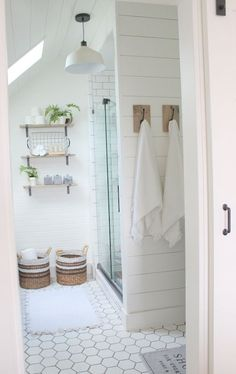 Modern Rustic Farmhouse Style Master Bathroom Ideas 40 Farmhouse Style Master Bathroom RefreshModern Farmhouse Master Bathroom Renovation with…One Room Challenge {Week Six}: A Farmhouse Stunning Farmhouse Bathroom Vanity Decorating Ideas Bad Inspiration, Bathroom Inspiration, Bathroom Inspo, Modern Farmhouse Bathroom, Rustic Farmhouse, Farmhouse Style, Farmhouse Ideas, Farmhouse Remodel, Rustic Chic Kitchen