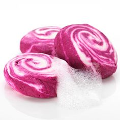 Lush Bubble Bar in The Comforter | This berry-scented bubble bar creates thick bubbles that smell heavenly and leave you with skin that is smooth, hydrated and extra silky.- Find your next beauty obsession on Daily Glow Beauty 365.