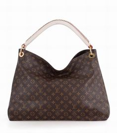 So lucky to find an online Louis Vuitton outlet, As low as $206 | See more about louis vuitton handbags, outlets and monogram canvas.