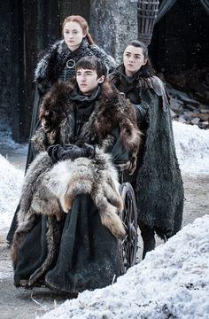 Game of Thrones S07E04-Spoils of War- Sansa, Bran and Arya Stark united
