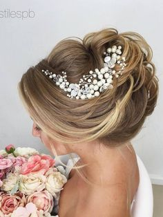 Elstile Long Wedding Hairstyle Ideas 3 / http://www.deerpearlflowers.com/26-perfect-wedding-hairstyles-with-glam/2/