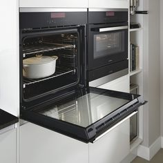 Lamona touch control single pyrolytic oven LAM3701