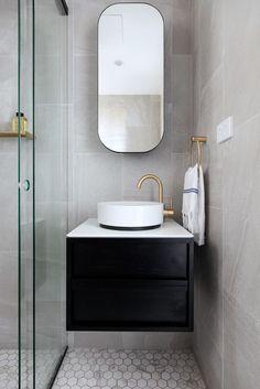 Manly Apartment by Jillian Dinkel Design Zen Bathroom, Modern Bathroom, Bathroom Photos, Glass Bathroom, Small Bathroom, Master Bathroom, Bathroom Furniture, Bathroom Interior, Luxury Bathroom Vanities