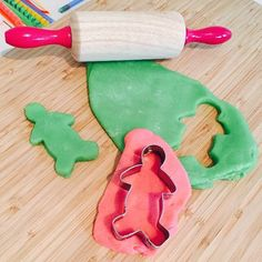 MAKE: Your Own Playdough It's so easy to make your own playdough! It must be one of my monkeys' favourite activities and a regular go-to to keep little hands busy.  Why not try making your own playdough? Find out how on our blog (link in bio or below). #kidscraft #kidscraftideas #ideasforkids #homemade #easycrafts #easycraftsforkids #diy #diycraft #kids #funforkids #activitiesforkids #preschool #fun #parenting #boxformonkeys #kidsactivites #subscription #subscriptionboxes…