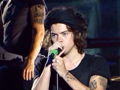 Harry on stage in Foxborough, Massachusetts (Night 3) 8.9.14