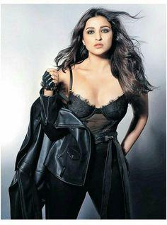 Parineeti Chopra, Anushka Sharma, Bollywood Actors, Bollywood Fashion, Hot Saxy, Sr K, Ranveer Singh, Celebs, Celebrities