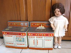 Vintage Wolverine Toy Kitchen Sink Stove Tin Litho. $46.00, via Etsy.
