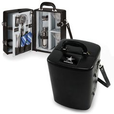 The Chicago Bears Portable Bar kit, the Manhattan Cocktail Case by Picnic Time Cincinnati Bengals, Pittsburgh Steelers, Dallas Cowboys, Steelers Football, Houston Texans, Indianapolis Colts, Denver Broncos, Martini Set, Manhattan Cocktail