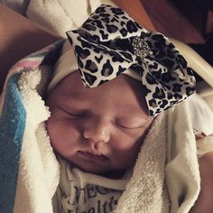 Newborn hospital hat: newborn girl/baby girl or newborn. You will have the ONLY newborn hat GUARANTEED to fit & stay snug to all newborns.