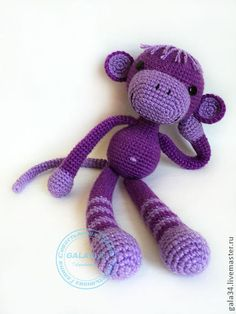 Amigurumi crochet monkey. (Not in English but pattern available to purchase if you can translate).