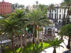 From Wikiwand: Bus Station—Estación de Guaguas also known as El Hoyo (The hole), on the left, out of the image—at San Telmo Park, Las Palmas de Gran Canaria. Gran Canaria Hotel, Grand Canaria, Lakeside Inn, Paradise Places, Canary Islands, Beautiful Places, Scenery, Seattle Airport, Hotels