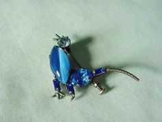 VINTAGE SILVER BIRD PIN BEAUTIFUL BLUE STONES TROMBONE CLASP MAY BE CZECH #Unbranded