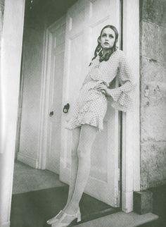 Twiggy | The Dotted Line. Photographed by Justin de Villeneuve. Queen, 5th June 1968.