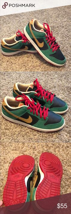 meet bc03e 95765 NIKE SB Dunk Low Premium Marvin the Martian NIKE SB Marvin the Martian  Edition sneakers. Only worn a couple times.