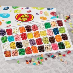 40 different flavors come in this Jelly Belly Gift Box!
