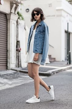 13 Ways To Wear Your White Sneakers